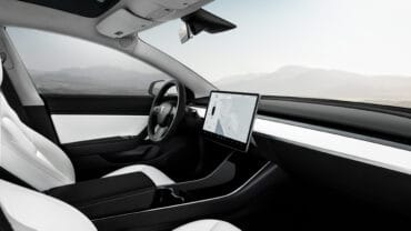 Model 3 Performance – White Interior – Touchscreen