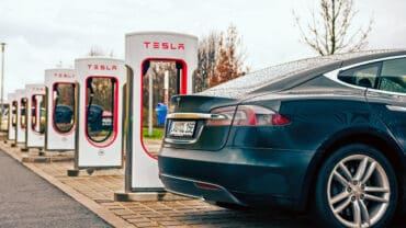 Model_S_charging_at_a_Tesla_station_cropped